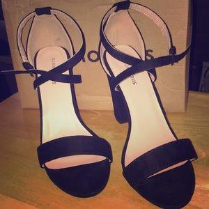 Glamorous Brand Women's Black Heels